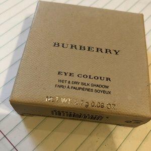 Burberry Makeup - Burberry Wet & Dry Silk Shadow